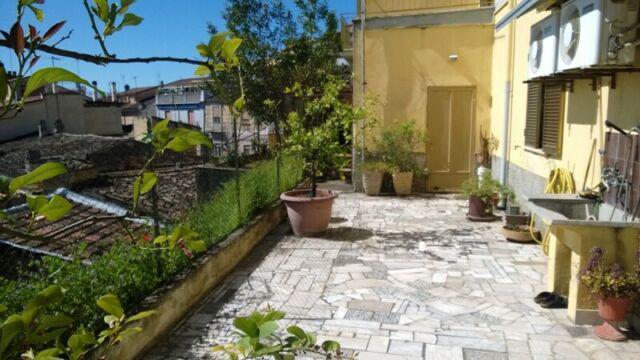 Casa autonoma, panoramica, luminosa con giardino