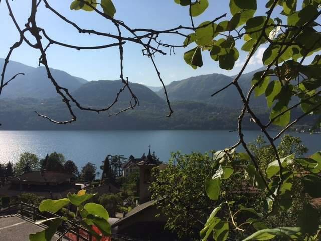 Casa indipendente, ottimo stato, 240 mq, vista lago!