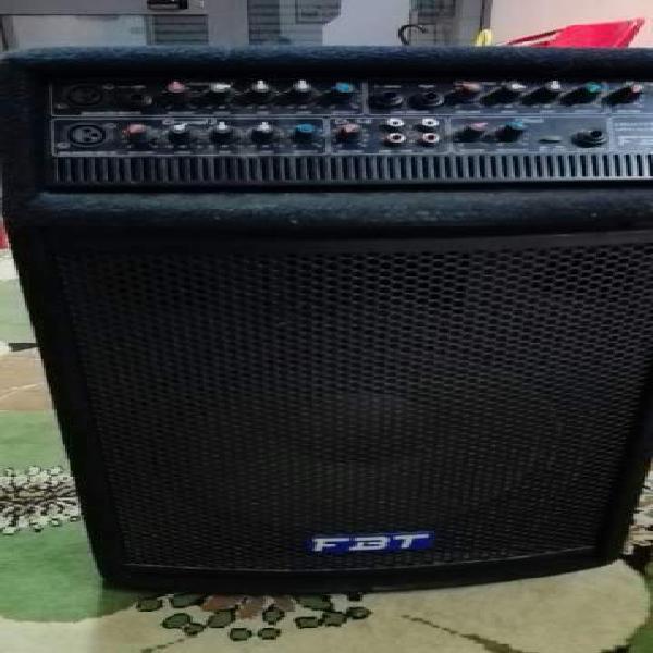 Cassa amplificata con mixer incorporato