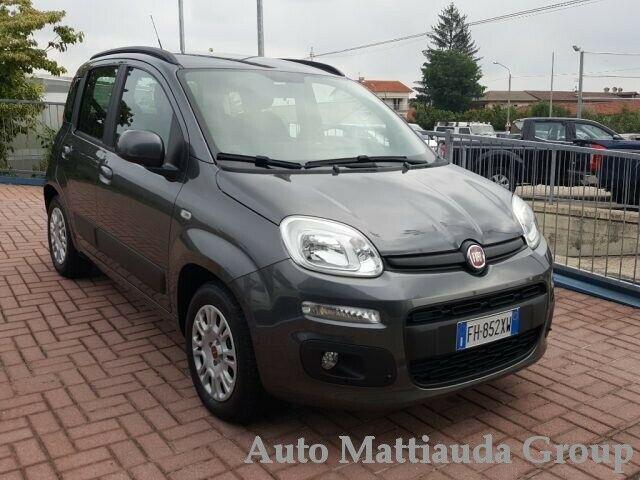 Fiat panda 1.2 lounge neopatentato 5 posti