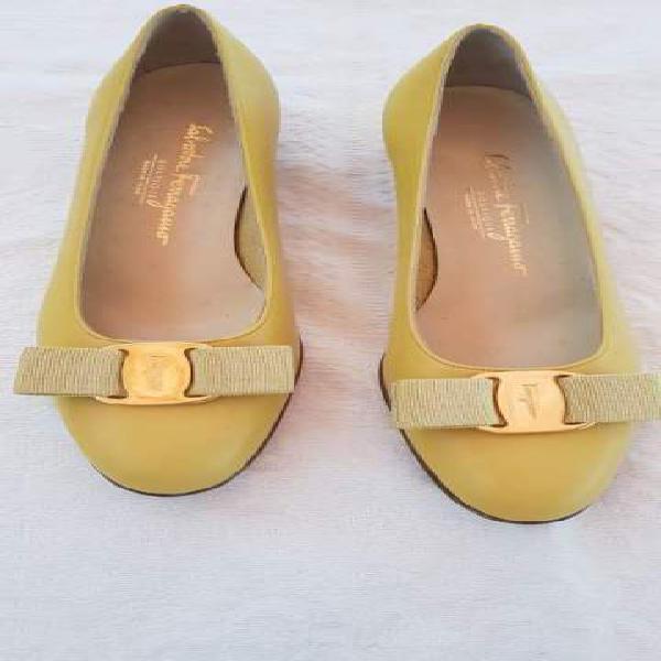 Scarpe ferragamo tg 36.5 b colore giallo