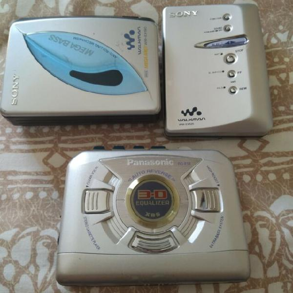 Set di tre walkman / lettori cassette