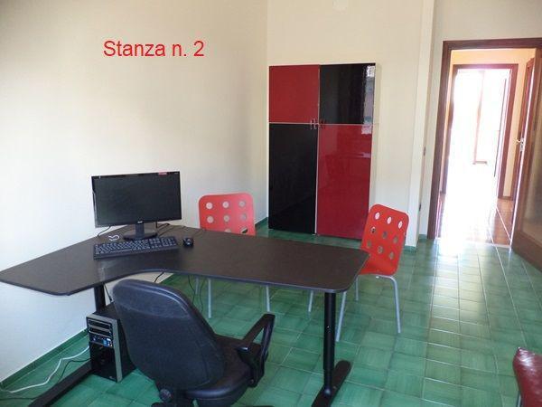Tre stanze uso ufficio a nocera inferiore