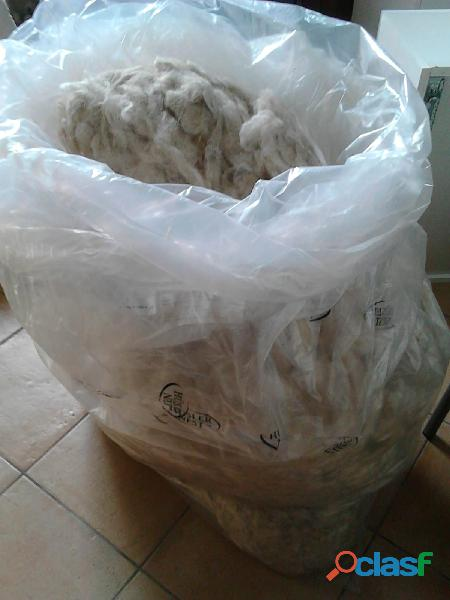 Vendo sacco con lana