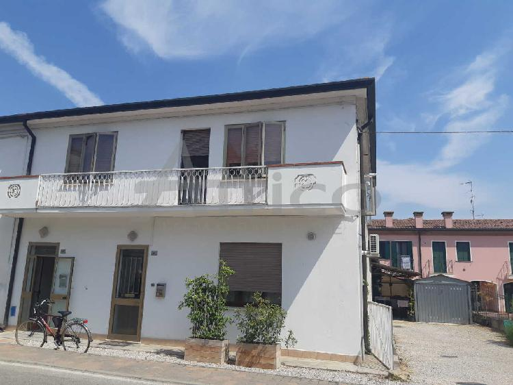 Appartamento - Quadrilocale a Pontecchio Polesine