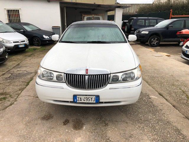 Lincoln Town Car PER CERIMONIE ED EVENTI