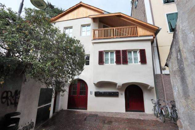 Appartamento di 170 m² con 5 locali in affitto a bolzano