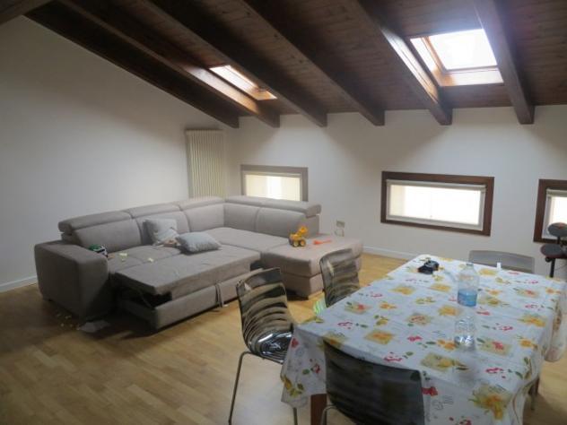 Appartamento di 80 m² con 4 locali in affitto a vicenza
