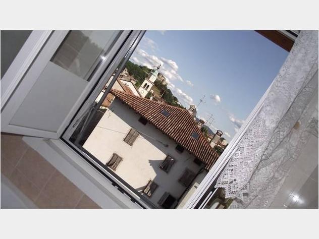 Privato vende appartamento centro storico arrefato balconsto