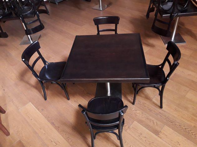 Tavolo In Legno Con 4 Sedie.Tavolo Quadrato Sedie Offertes Maggio Clasf