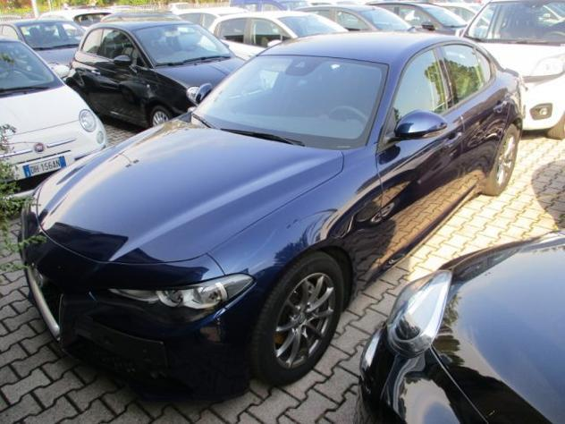 Alfa romeo giulia 2.2 td 150cv at8 business - navi - sensori