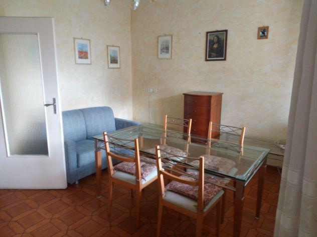 Appartamento 90 mq con due stanze singole/doppie per