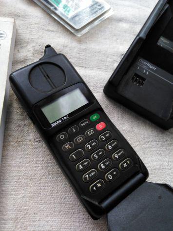 Telefono motorola 7500..gsm
