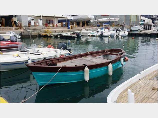 Barca a motoreaprea mare aprea gozzo sorrento legn anno1978