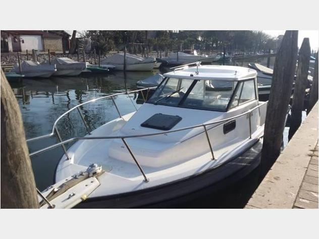Barca a motorebayliner walkaround cabinata 2352 anno1997