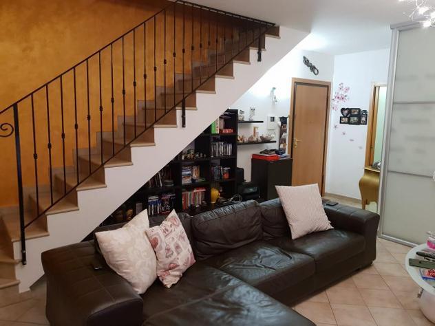 Appartamento di 4 vani e di 100 mq (san clemente) rif. a1127