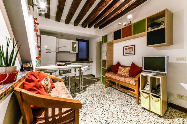 Appartamento di 85 m² con 4 locali in vendita a venezia