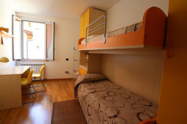 A porta pesa due camere singole disponibili 1 ottobre