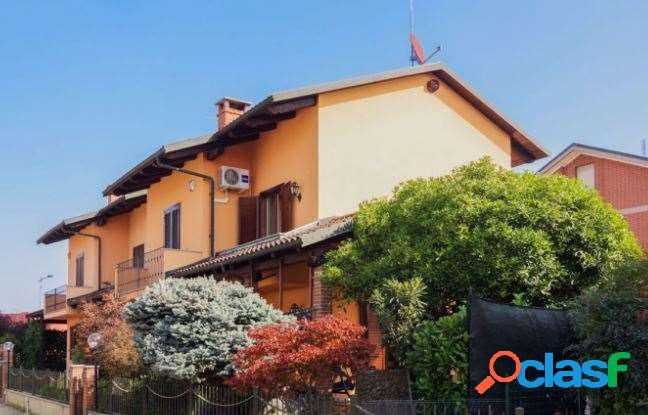 Affitto Villetta con 4 Camere.
