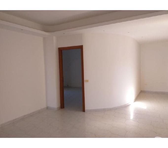 Appartamento al 3'piano ascensorato, noto