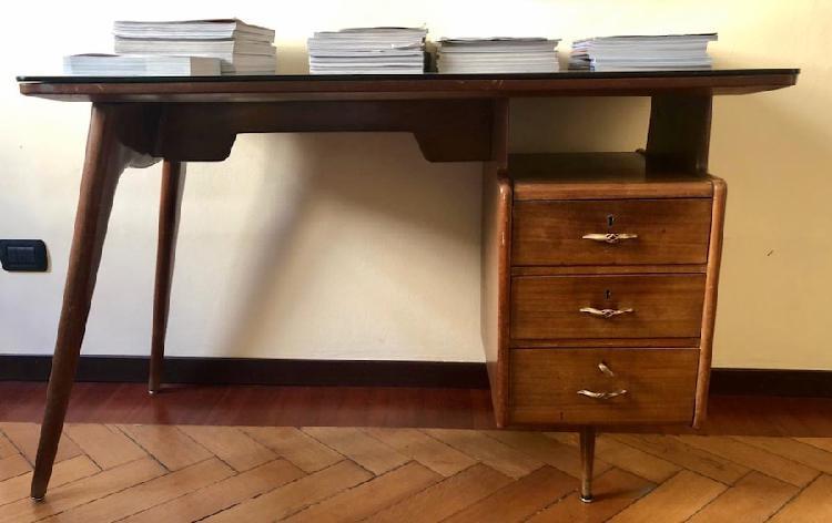 Scrivania in legno anni 70'