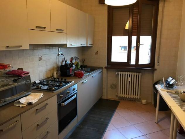 Appartamento di 115 m² con 5 locali in affitto a verona