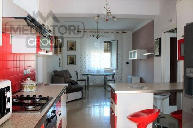 Appartamento di 80 m² con 4 locali in affitto a ancona