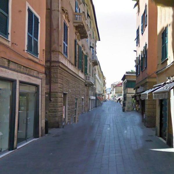 Genova sestri ponente cercasi appartamento affitto