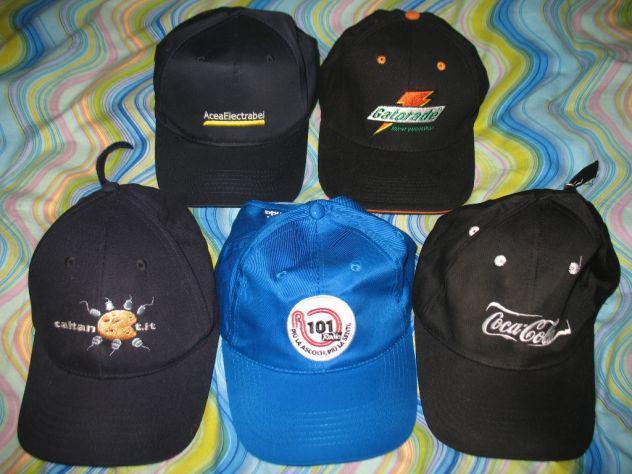 Set collezione gruppo cappellini con visiera