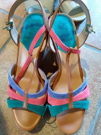 Sandali di marca