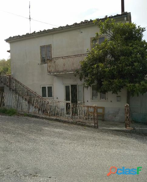 Casa singola arredata con terreno
