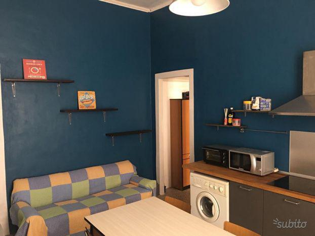 Camera doppia in via alassio a 275 euro