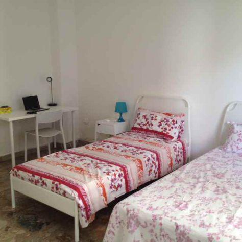 Affitto spaziosa camera doppia a studenti universitari