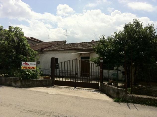 Rustico / casale di 150 m² con 3 locali in vendita a