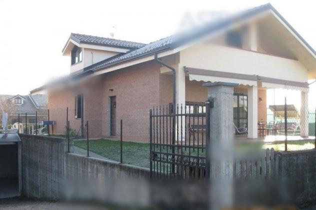 Villa di 156 m² con 4 locali e box auto doppio in vendita a