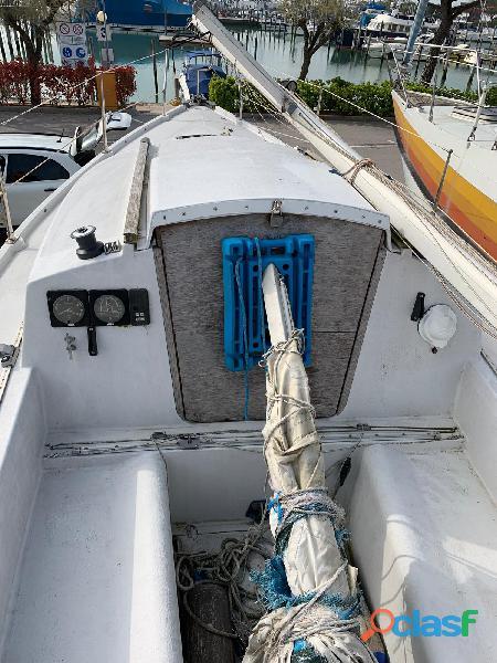 Barca a vela Pegasus 700 2