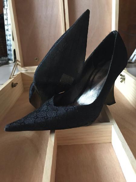 Scarpe décolleté nere n. 36