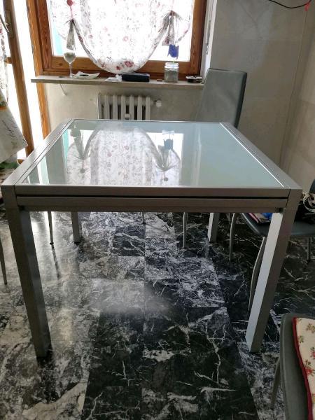 Tavolo vetro