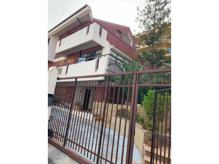 Villa indipendente in vendita a casteldaccia