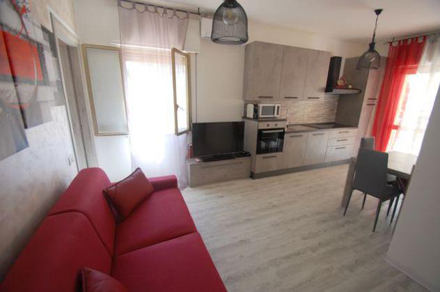 Appartamento bilocale con ampio terrazzo fronte pineta