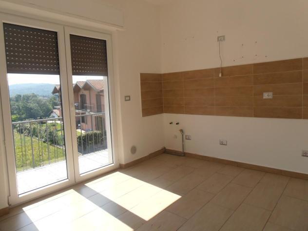 Appartamento in vendita a leggiuno 100 mq rif: 790902