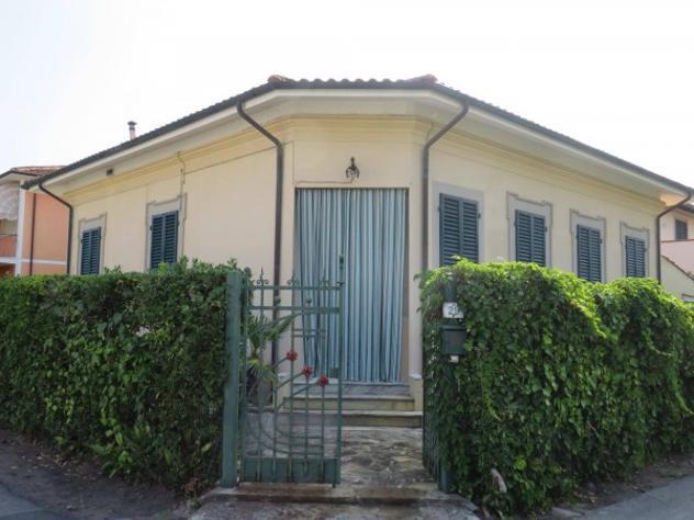 Villa di 110 m² con 4 locali e box auto in vendita a