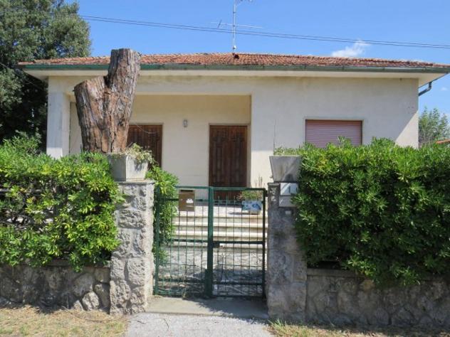 Villa di 130 m² con 5 locali in vendita a pietrasanta