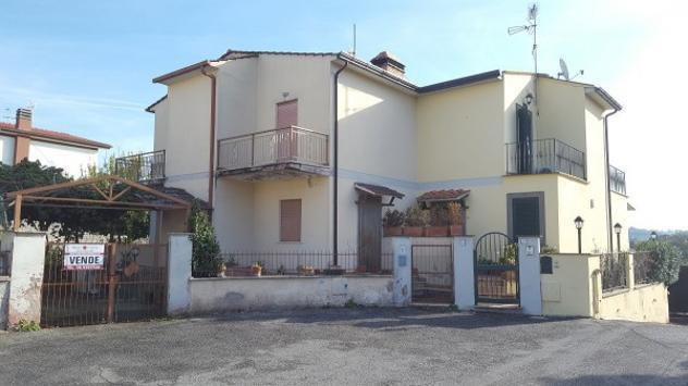 Villa di 180 m² con 5 locali in vendita a genzano di roma