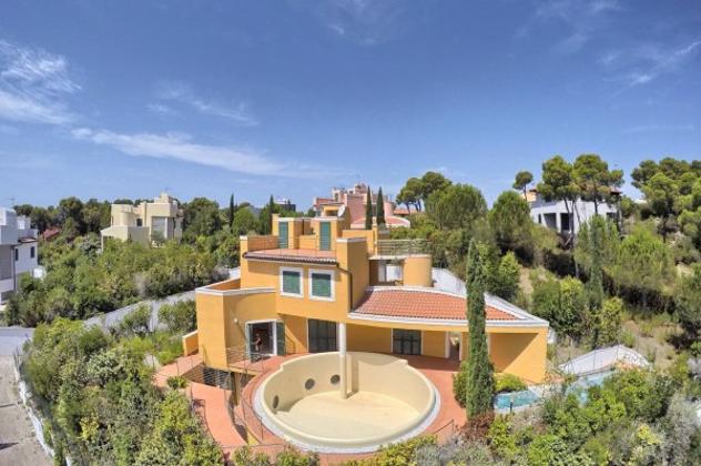 Villa di 220 m² con 5 locali e box auto in vendita a