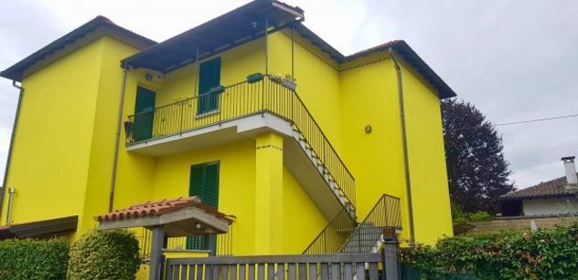 Villa di 220 m² con più di 5 locali e box auto doppio in