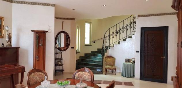 Villa di 257 m² con 5 locali e box auto doppio in vendita a