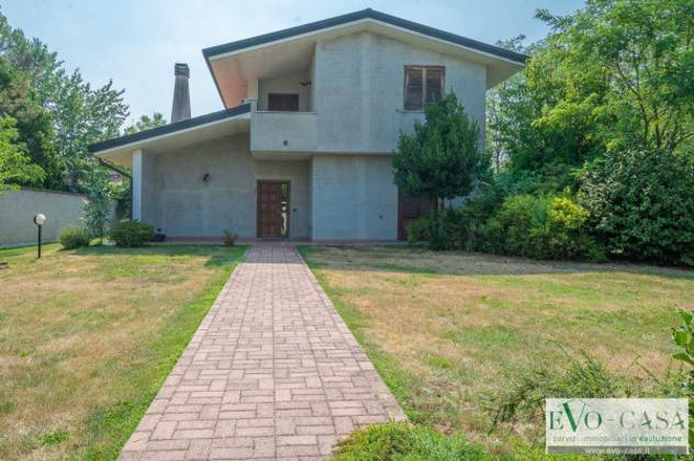 Villa di 274 m² con 4 locali e box auto doppio in vendita a