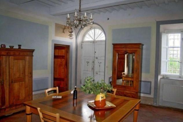 Villa di 730 m² con più di 5 locali e box auto doppio in