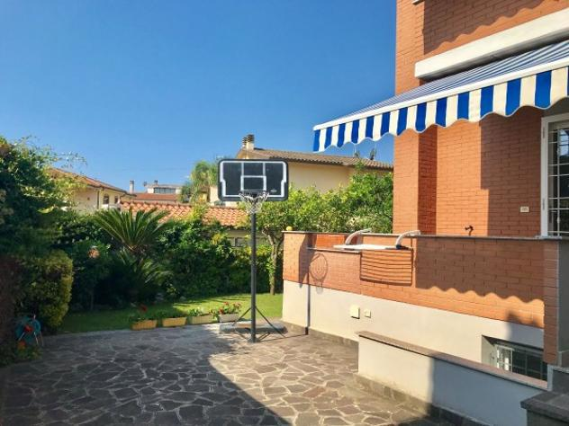 Villetta a schiera di 200 m² con 5 locali in vendita a